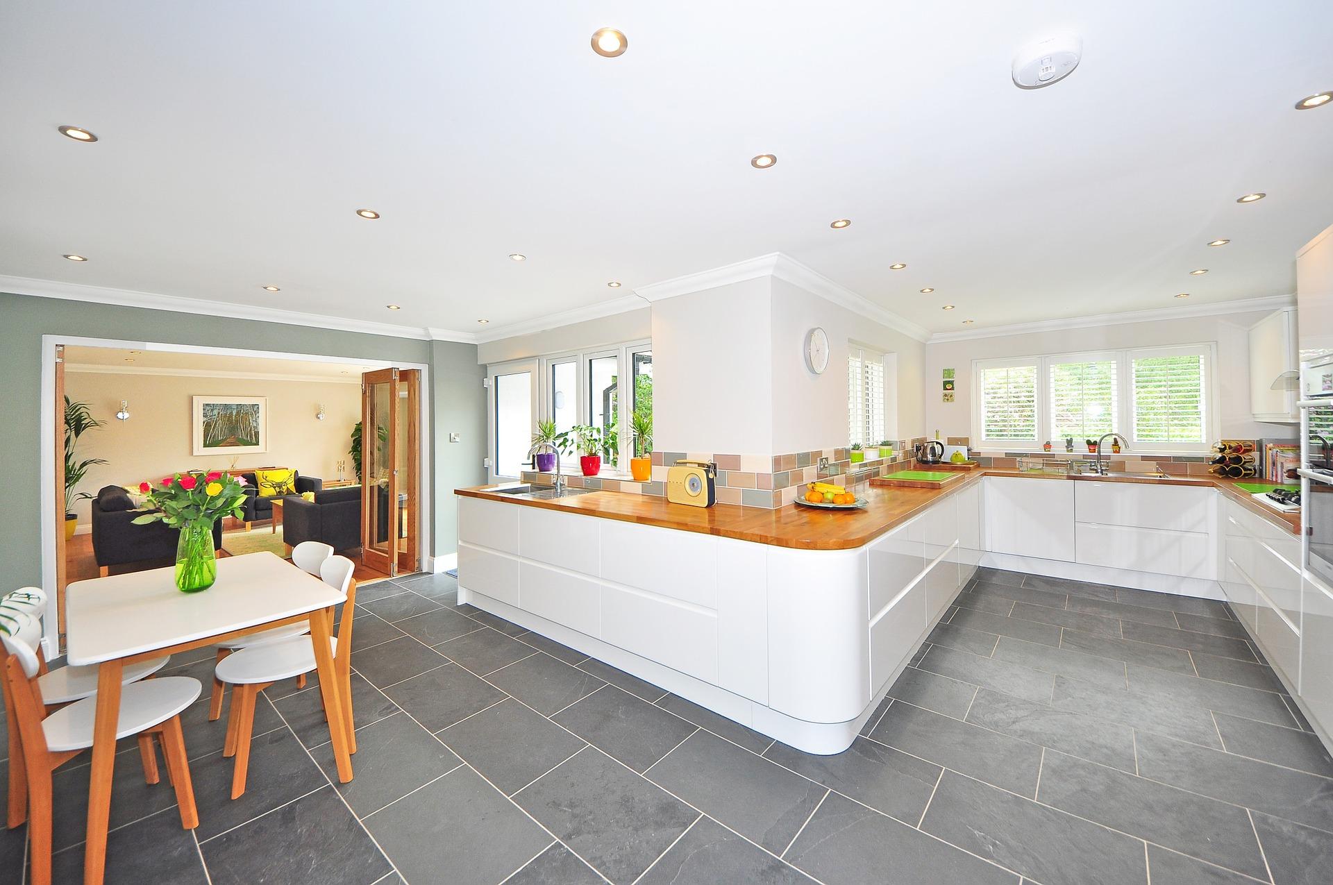 Hoe maakt u van een keuken een sfeervolle kamer?